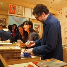 Beatrice Alemagna signing books